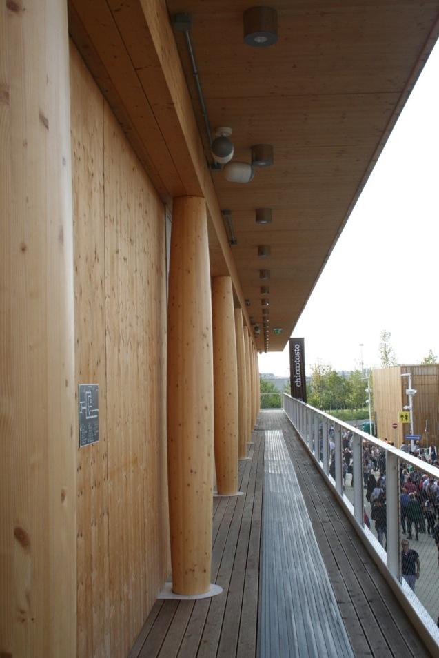 Glulam building mezzanine